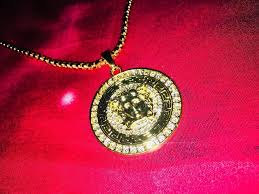 versace 24k gold plated medusa pendant necklace