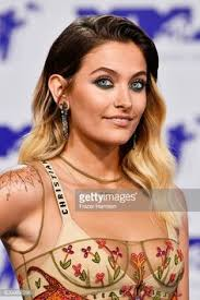 paris jackson attends the 2017 mtv video awards at the forum on