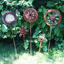 Recycled Metal Yard Art | Saw Blade Lawn Art (misc. scrap metal and