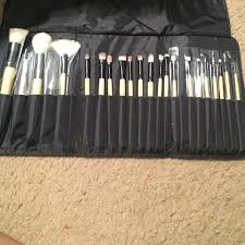 coastal scents brushes uses. coastal scents brush set came with 22 brushes, i can\u0027t find 2. brushes uses a