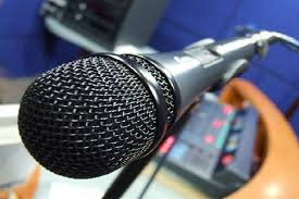 Resultado de imagen para microfono radio cubana 2017