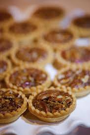 get inspired mini pies can double as both dessert and wedding favors a tasty