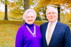 grethe myles and tom witt former chief economist at wvu have elished the tom s witt scholars program