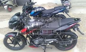 Bajaj pulsar 125 neon is currently available in two variants. Exclusive 2020 Bajaj Pulsar 125 Split Seat Bs6 Arrived At Dealership Price Specs And More