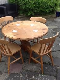 round table 4 chairs 40