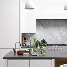 backsplash for white kitchen cabinets with tile