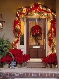 Fresh Festive Christmas Entryway Decorating Ideas_13
