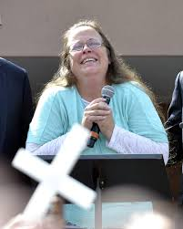 kentucky clerk who fought gay marriage is released from jail com rowan county clerk kim davis pauses as she speaks after being released from the carter county