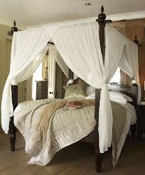 Wooden Canopy Bed With White Curtains : Hang Curtains In A Canopy Bed