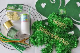 dollar craft deco mesh wreath