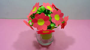 Flower Vase With Paper How To Make A Bunch Of Paper Flowers With Flower Vase Di Flickr