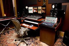 ... Studio furniture-mc4-synth-studio..jpg