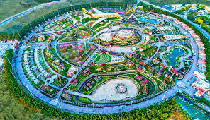 Earth Works Landscape Design Akar Landscaping Dubai Miracle Garden 4 Columns