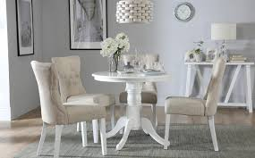 gallery kingston round white dining table with 4 bewley oatmeal chairs