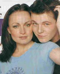 Jacqui as Linda with Paul Fox as Mark - lindamark2