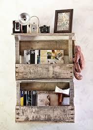 Reclaimed Pallet Book Shelves