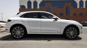 2018 porsche macan black. simple porsche 2018 porsche macan  side inside porsche macan black