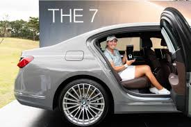 BMW Ladies Championship 2019 has given the new BMW 7 Series prize to Christine  Gilman, who hit the first hole-in-one (11/2019)