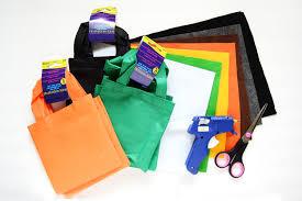 DIY-Halloween-Treat-Bags-Darice-11