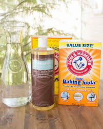 these two easy recipes for laundry detergent liquid makes 14 loads of non toxic laundry