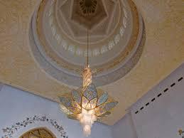 sheikh zayed grand mosque abu dhabi uae marvellous chandelier quran lines