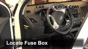interior fuse box location 2010 2015 hyundai tucson 2012 2005 Hyundai Tucson Gas Mileage at 2006 Hyundai Tucson Interior Fuse Box Cover