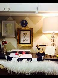 Cubicle wallpaper decor