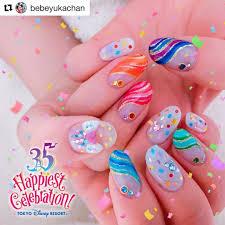 Happiest Celebration ディズニーリゾート35周年ネイル 衣装と紙吹雪