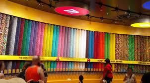 In Der M M World Und Im Coca Cola Store In Las Vegas