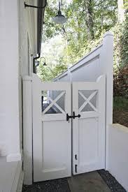 Exterior Fencing Designs Fabulous Farmhouse Exterior Decor Ideas 28 Modern