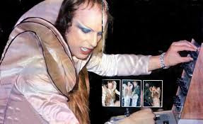 Andy mackay, rik kenton, paul thompson. Brian Eno News On Twitter Brian Eno Live With Roxy Music During 1973 Andymackay Http T Co Gozx6kou3t