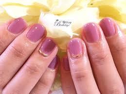 秋ネイルにぴったりの色トレンドカラーで色っぽい大人な指先に