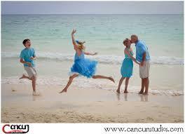 Family Beach Photos Cancun Studios Photographers Tips For Family Beach Photos In Cancun