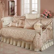 delicieux wonderful daybed bedding with beige bed skirt and cozy rugsusa