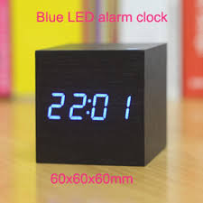 2018 2016 hot electronic desk clock date thermometer table alarm clocks blue led light bedside small digital wood clocks kids gift from zhuwu1