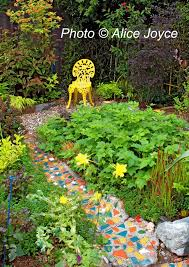 Beautiful Garden Path Designs And Ideas For Yard Landscaping With Mosaic Garden Path