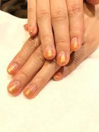 ネイル ラメグラ ネイルモデル 秋らしくオレンジゴールドラメ