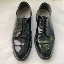 patent leather oxford shoes condition is pre owned shipped with usps priority mail these were worn maybe 1 time it looks as if the sole is