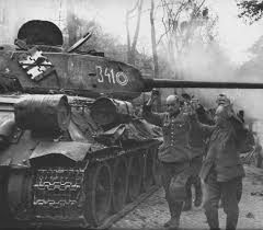 T-34/85 of the 7th Guards Tank Corps and German POW Berlin 1945 | World War  Photos