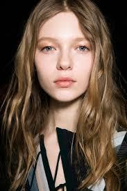 fall 2016 beauty trends shimmey eye makeup