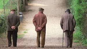Risultati immagini per anziani in italia