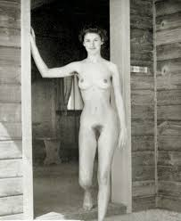 Naked women from 1940