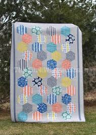 Hexie Love: Tips for Making Hexagon Quilts & Hexagon Quilt Adamdwight.com