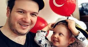 Şahan Gökbakar'dan kızıyla gülümseten video - Dailymotion Video
