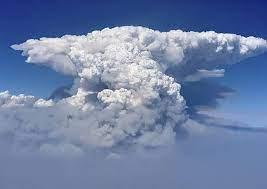 Sprawling Oregon wildfire, largest of ...