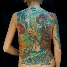 алиса в стране чудес на спине татуировки татушка