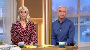 Holly willoughby dishes about her £200k pay raise, her return to this morning and new book. P8s5lbx4i2g49m