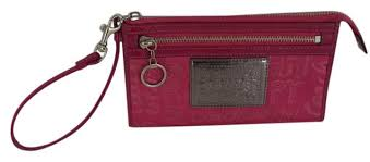 Coach POPPY WRISTLET LARGE PINK ...