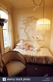 Fransen Lampenschirm Auf Leuchte In Kleinen Siebziger Jahren Mit