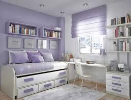 Schöne Mädchen Schlafzimmer Möbel Mit Weiß Rosa Gestreifte Wand Und